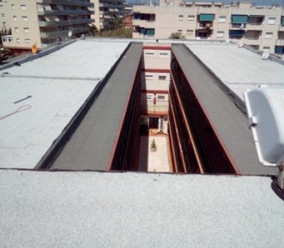 Aislamiento térmico e impermeabilización en edificio la Pineda Tarragona